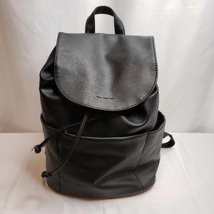 Universal Thread Black Backpack